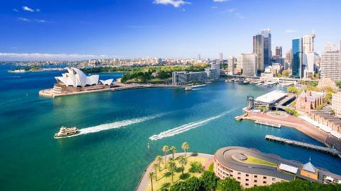 Австралии
