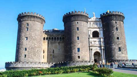 Замок Кастель-Нуово